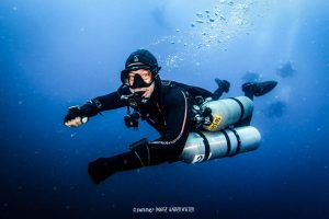 PADI Course Director Jeff Glenn completing a decompression dive using the Xdeep Sidemount unit.